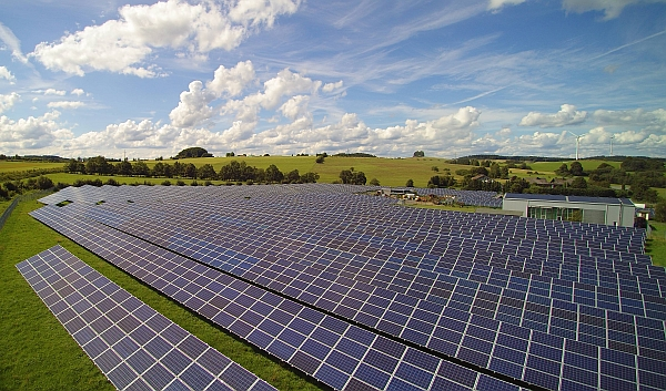 Eschenburg-Hirzenhain: 2014 ging der zweite Solarpark der Projektentwicklerin 7x7energie GmbH mit einer Nennleistung von