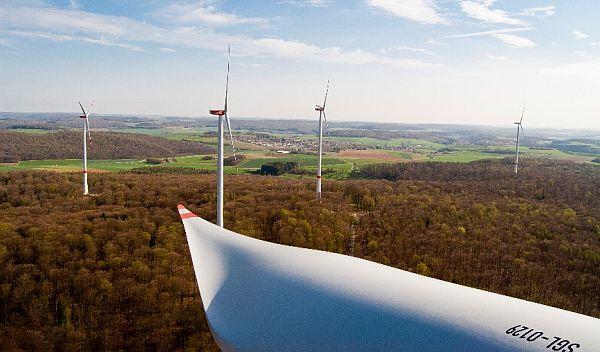 Die ABO Invest AG übernimmt in der Regel Windparks, die wie das Projekt im Bild von der ABO Wind AG umgesetzt wurden. / Foto: Unternehmen