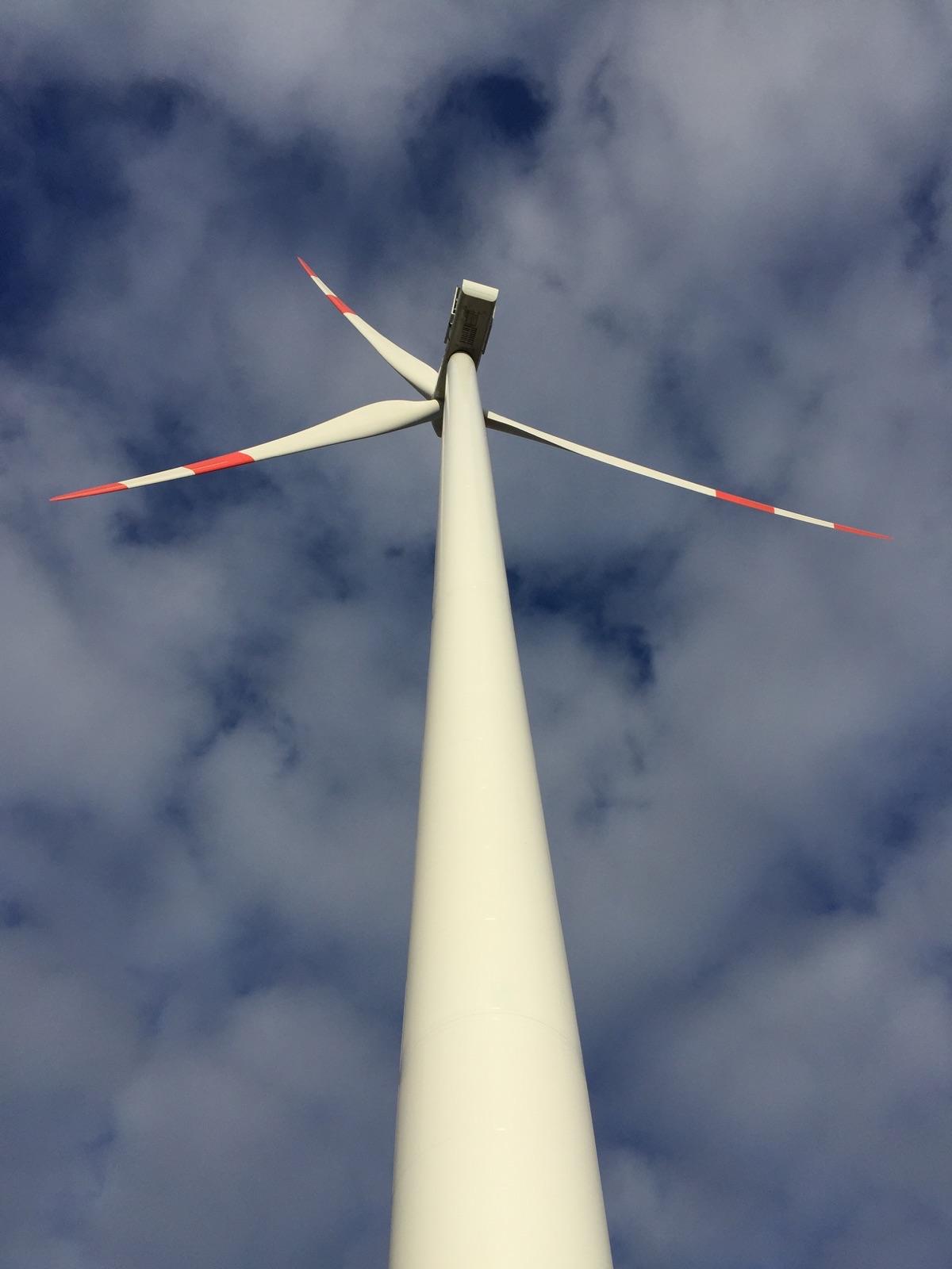 Die Emittentin investiert voraussichtlich in den Windpark Mertensdorf in Brandenburg. Den hat der Hersteller Vestas mit Anlagen des Typs V90 ausgestattet (im Bild). / Foto: Vestas