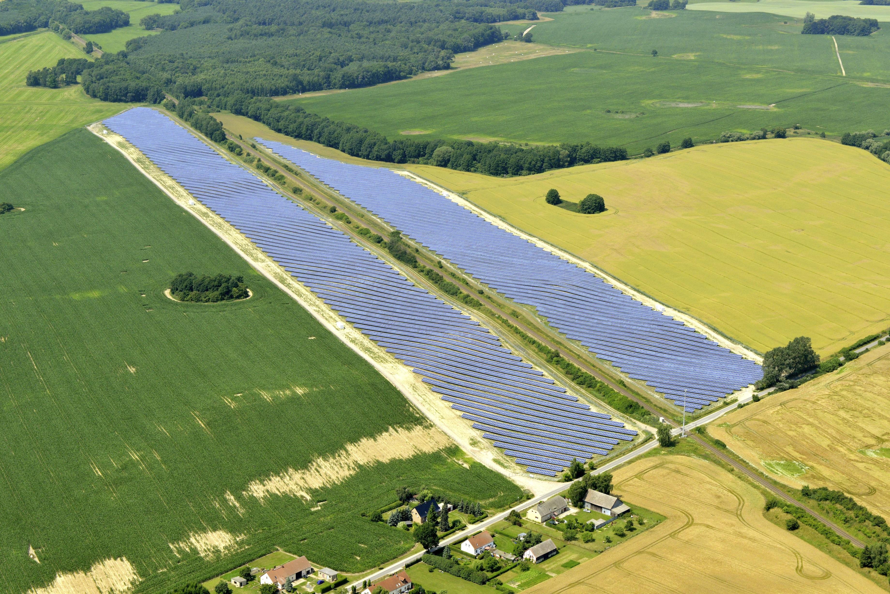 Solaranlage der Capital Stage AG. Mit der Übernahme der Chorus Clean Energy AG baut das Unternehmen sein Portfolio mit Solaranlagen und Windkraftanlagen deutlich aus. / Foto: Capital Stage AG