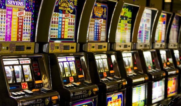 Für den Sarasin-FairInvest-Bond-Universal-Fonds sind Wertpapiere von Unternehmen absolut tabu, die Geschäfte mit Glücksspiel machen. Der Fonds gehört zu den nachhaltigen Rentenfonds mit den größten Wertzuwächsen im Februar. / Quelle: Fotolia, M. Blach