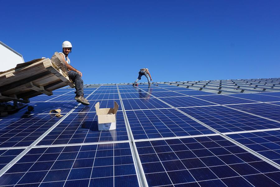 Ein Solarpark von Green City Energy in Frankreich: Der Green City Energy-Konzern ist im Bereich der Erneuerbaren Energien und der Elektromobilität tätig. / Foto: Green City Energy