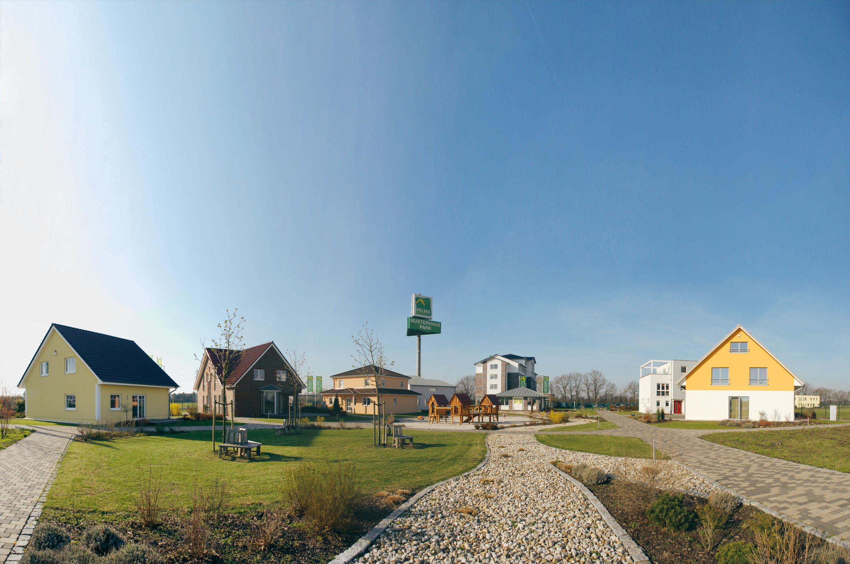 Die Helma Eigenheimbau AG aus Lehrte in Niedersachen bietet Fertighäuser an, die sie mit nachhaltigen Energiekonzepten versieht. / Foto: Unternehmen