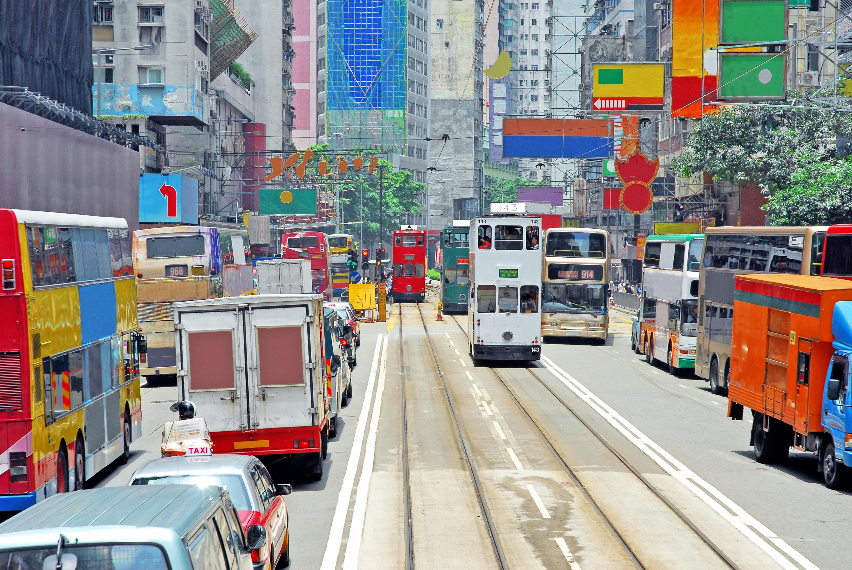 Der stark wachsende Straßenverkehr ist nur eines von vielen Nachhaltigkeitsproblemen in Schwellenländern. Der Swisscanto-Aktienfonds setzt auf Unternehmen, die Lösungen für Nachhaltigkeitsprobleme anbieten bzw. anwenden. / Quelle: Fotolia (Claudio Zacc)