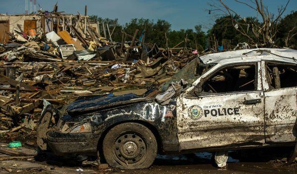 Rückversicherer wie Hannover Rück SE decken unter anderem Schäden durch Naturkatastrophen ab wie den Hurrikan, der die Stadt Del City in den USA heimsuchte. / Foto: Pixabay