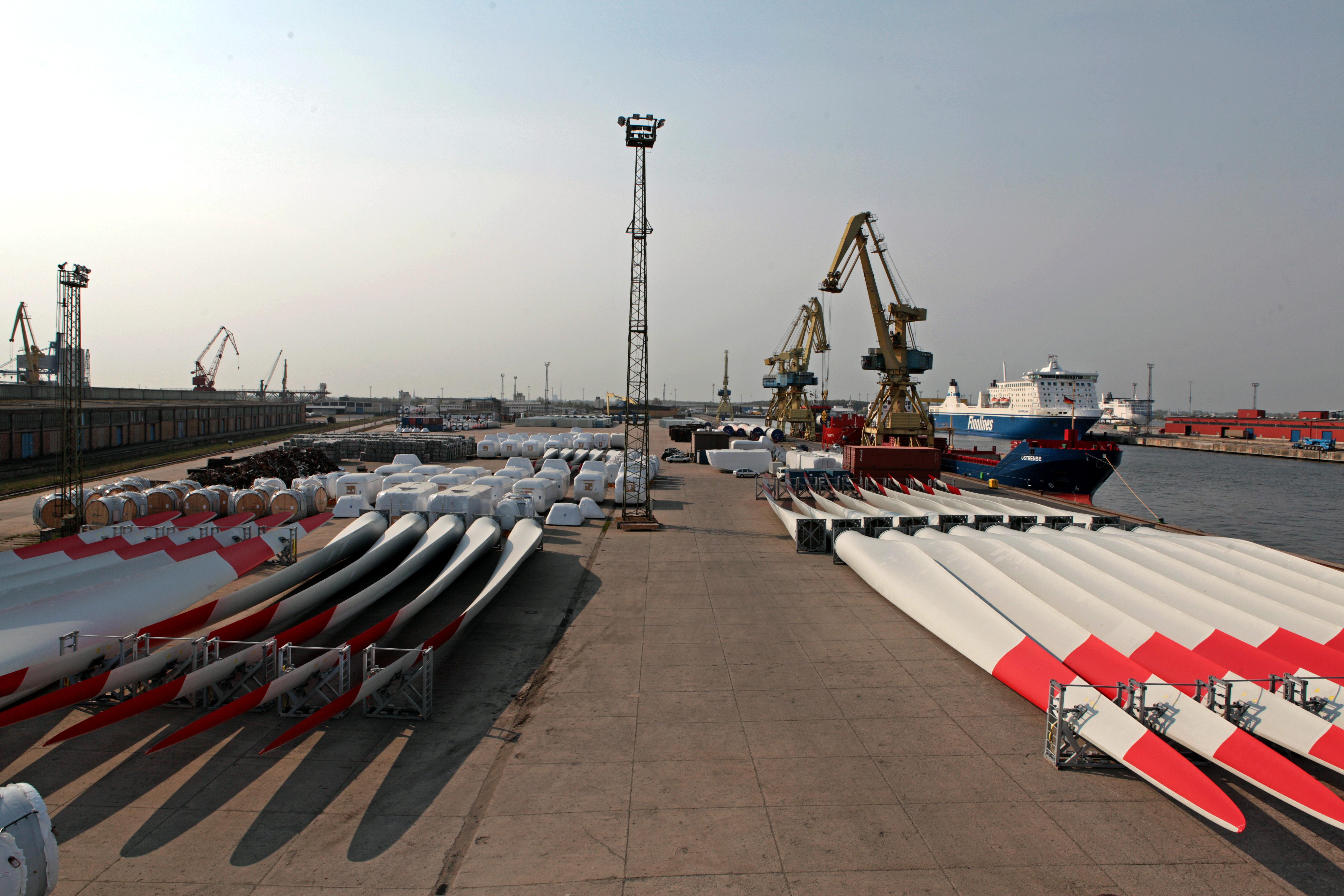 Die Nordex hat weiter Kurspotential, weil der Windradhersteller verstärkt auf den Absatz im Ausland setzt. Im Bild Windradflügel von Nordex vor dem Abtransport. / Foto: Unternehmen