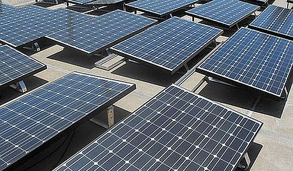 Solarmodule von ReneSola: Der Solarkonzern setzt verstärkt auf das Geschäft mit Solarparks. Ein neuer Partner stellt ihm dafür Kapital zur Verfügung. / Foto: ReneSola