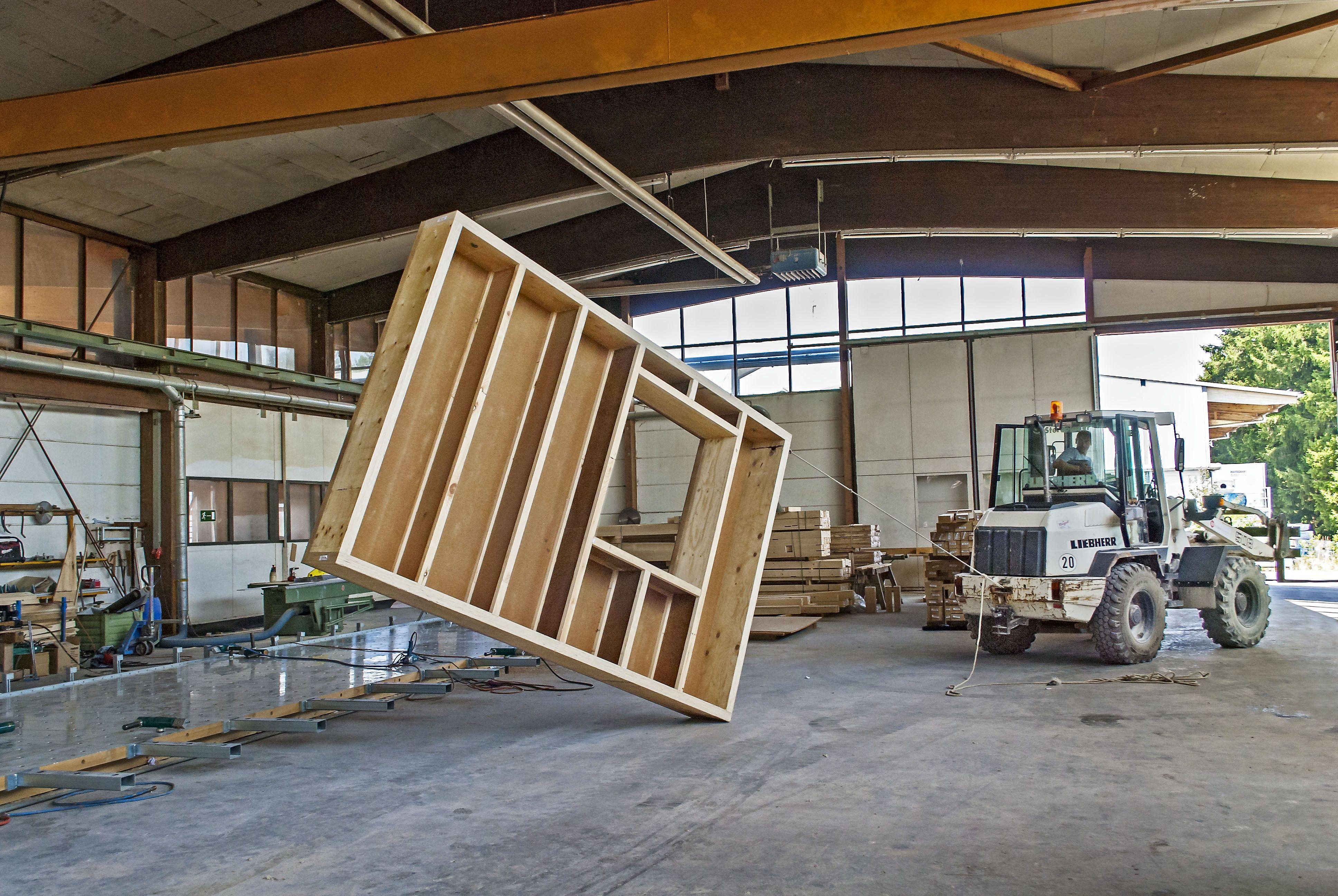 Furnierschichtholz macht Steico-Holzprodukte sehr belastbar. Das Unternehmen fertigt den Werkstoff selbst und will dessen Produktion stark ausbauen. Die Marge dürfte dadurch weiter steigen. / Foto: Unternehmen