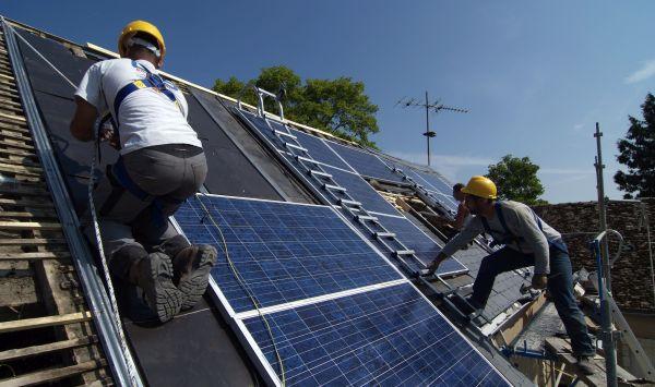 Das Anlegerkapital soll den Erwerb von mehreren Solaranlagen in Deutschland teilweise finanzieren. / Foto: il-fede, Fotolia