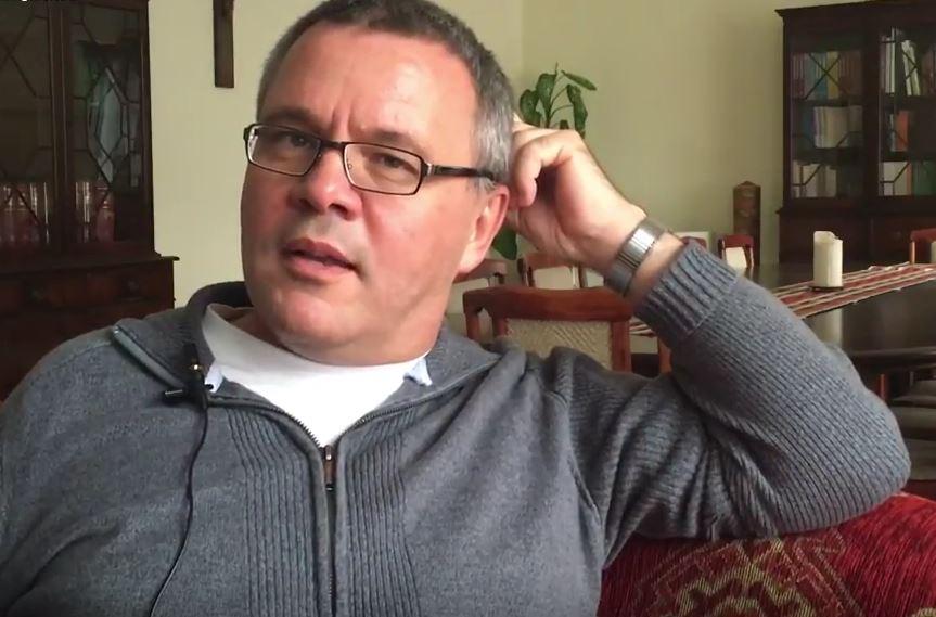 Steyler-Pater Norbert Cuypers spricht im 5-teiligen Video-Interview mit ECOreporter.de unter anderem über Geldanlage mit Sinn und Investments nach christlichen Grundsätzen. / Foto: Video-Screenshot