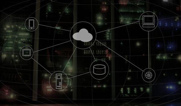 Clouds (Datenwolken) machen es möglich, von verschiedenen Geräten jederzeit auf große Datenmengen zuzugreifen. Das ist vor allem für Unternehmen attraktiv. Die Bechtle will ihr Cloud-Service-Angebot ausbauen und damit neues Wachstum generieren. / Foto: Pixabay