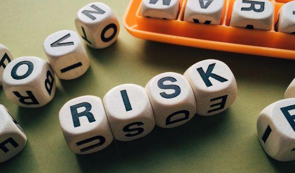Die genauere Abbildung des Index hat ihren Preis. Durch Swap-ETFs entstehen Kontrahentenrisiken: Der Swap-Partner könnte pleitegehen. / Foto: Pixabay