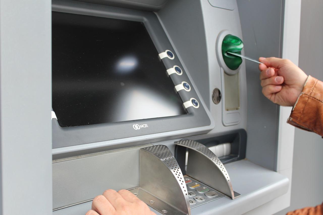 Sie möchten Ihr Girokonto zu einer nachhaltigen Bank umziehen? Der monatlich aktualisierte ECOreporter-Girokonten-Vergleich zeigt, welches Angebot zu Ihnen passt. / Foto: Pixabay