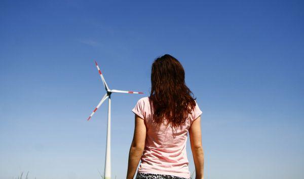 Windmüller stehen vor großen Herausforderungen, wenn ihre Altanlagen aus der Vergütung fallen: Denn bei derzeitiger Lage ist ein Weiterbetrieb von Windenergieanlagen über 20 Jahre hinaus kaum wirtschaftlich. / Foto: Pixabay