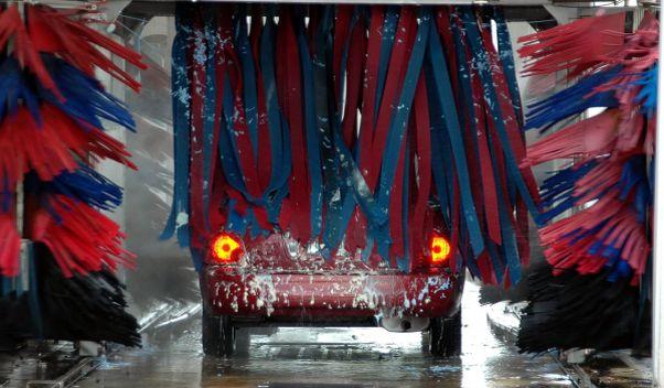 Das Geschäft mit wasserarmer Fahrzeugreinigung brummt: WashTec zahlt seit 2010 jährlich im Mai eine Dividende. / Symbolfoto: Pixabay